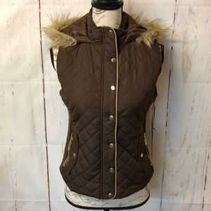 NWT Active USA Quilted Vest